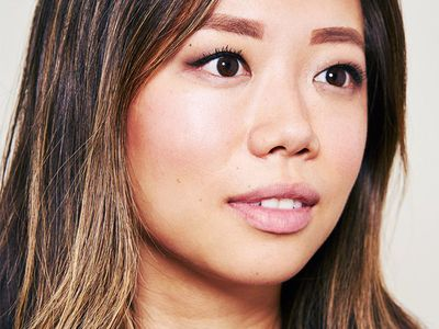 Editorial Director Faith Xue tests natural lip plumping products