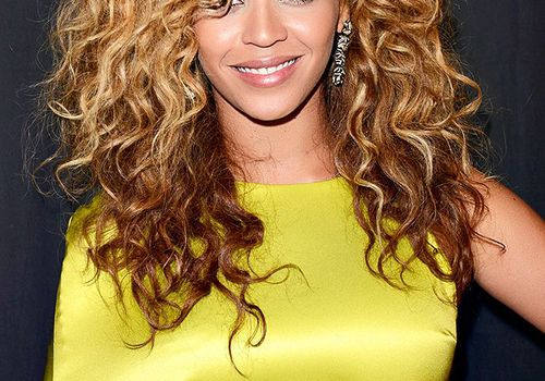 beyonce 2012 BET Awards curly hair