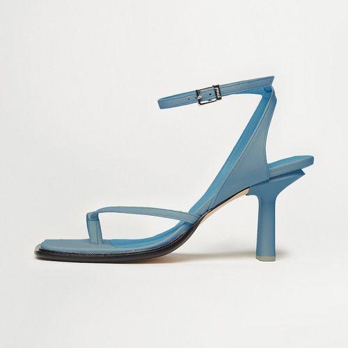 Yuni Buffa Castrise Heels