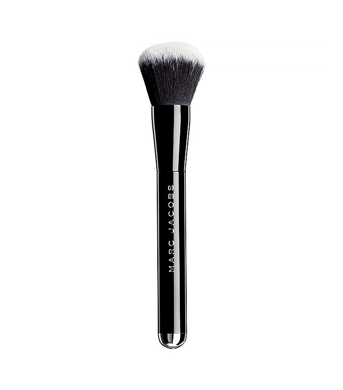Marc-Jacobs-Beauty-The-Face-I-Liquid-Foundation-Brush-No-1