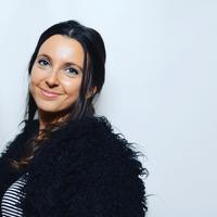 Sophie Ross - freelance makeup writer, Byrdie.com