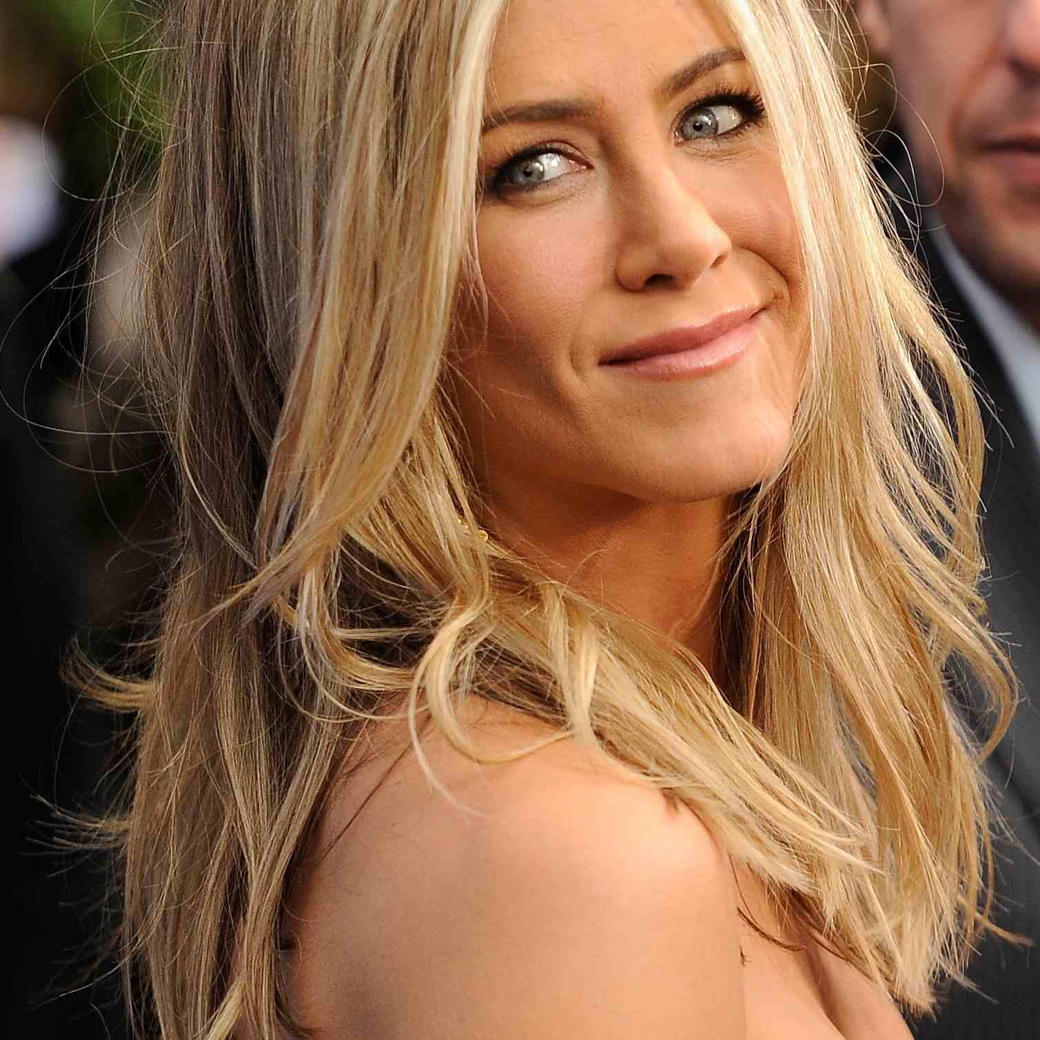 Jennifer Aniston S Most Iconic Hairstyles