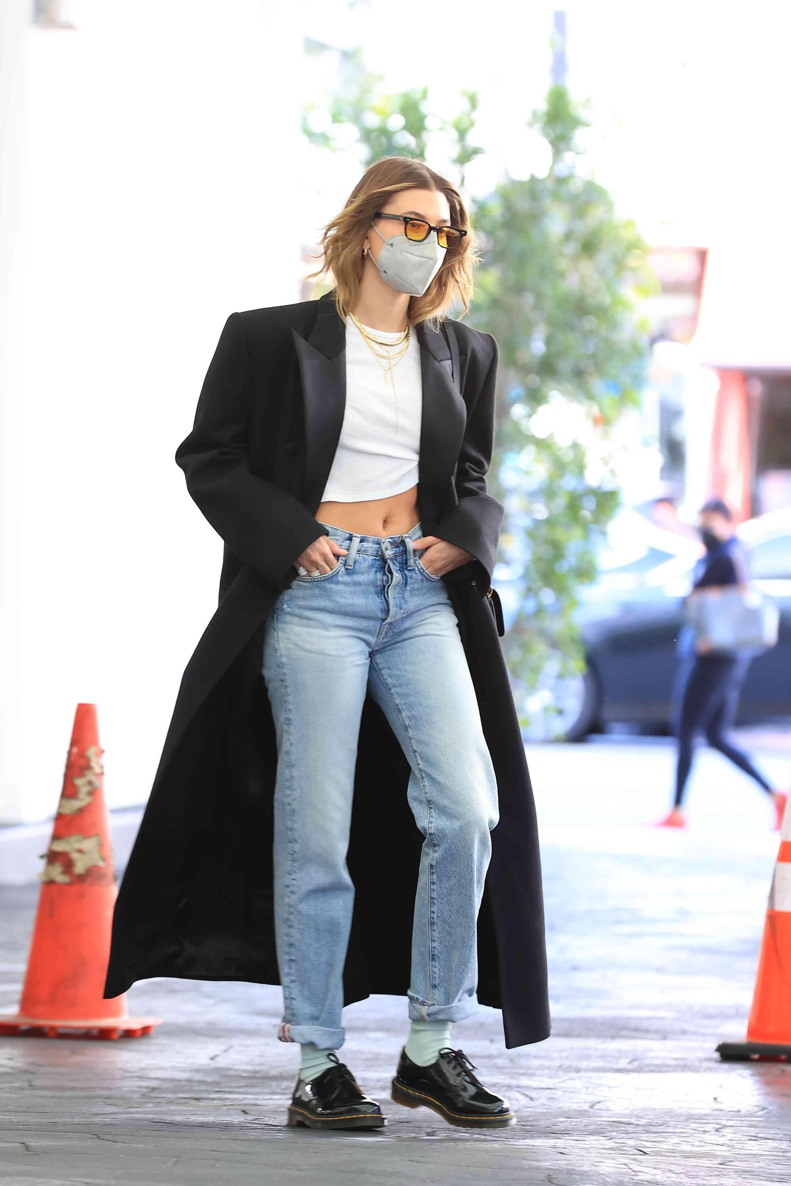 Dr. Martens Outfits Uniform Hailey Bieber Street Style