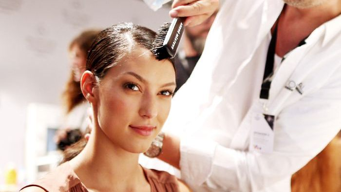 How Much To Tip Hairdresser At Christmas.11 Things Your Hairdresser Wished You Knew