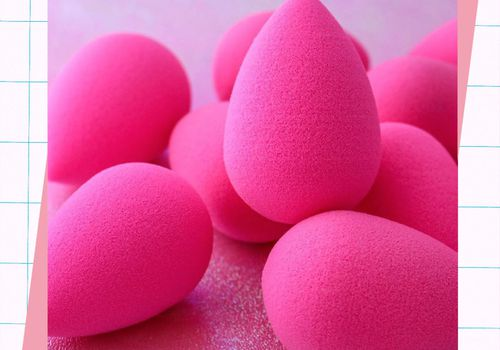 pile of pink beautyblender sponges