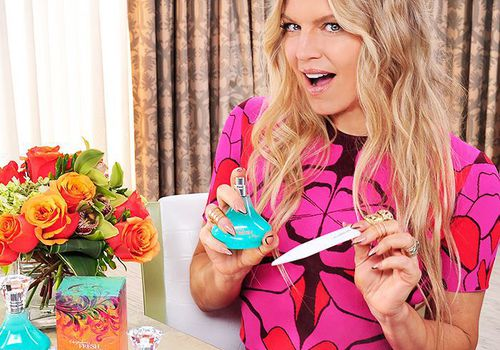 fergie testing out her perfume