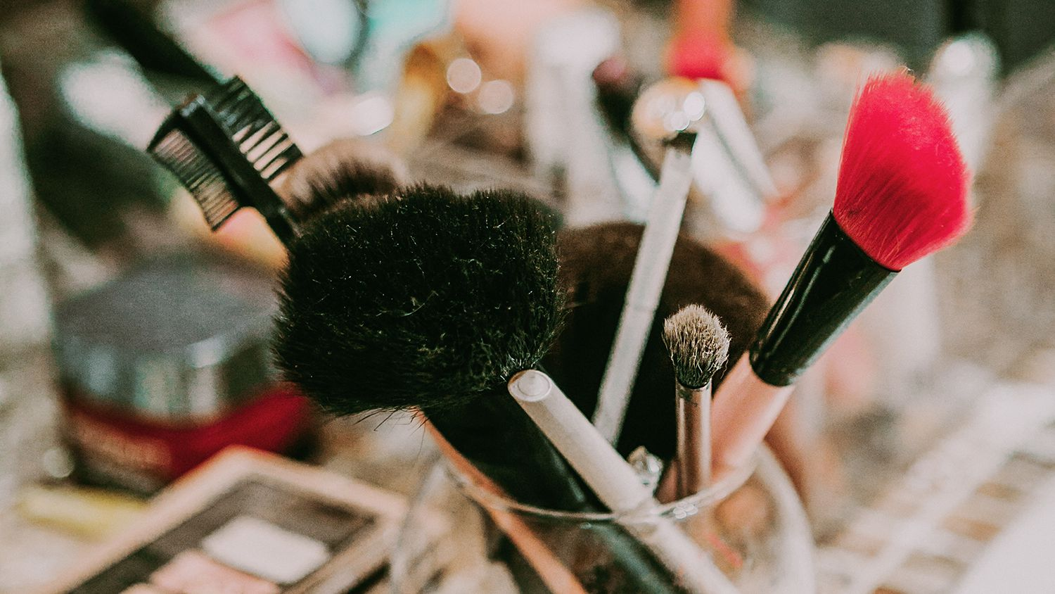 How To Makeup Brushes 7 Genius Tips