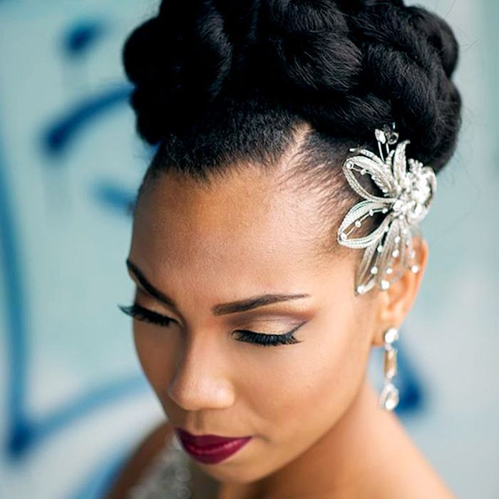 Naturally Curly Wedding Hair: 8 Natural Hairstyles For Weddings Curly Girls Will Love