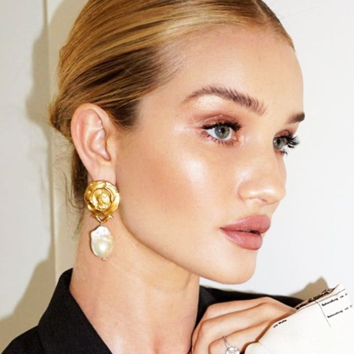 15 Products Rosie Huntington-Whiteley Wears for Sun-Kissed Glamour