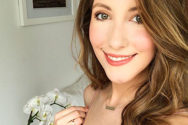 Lindsey Metrus smiling with veneers