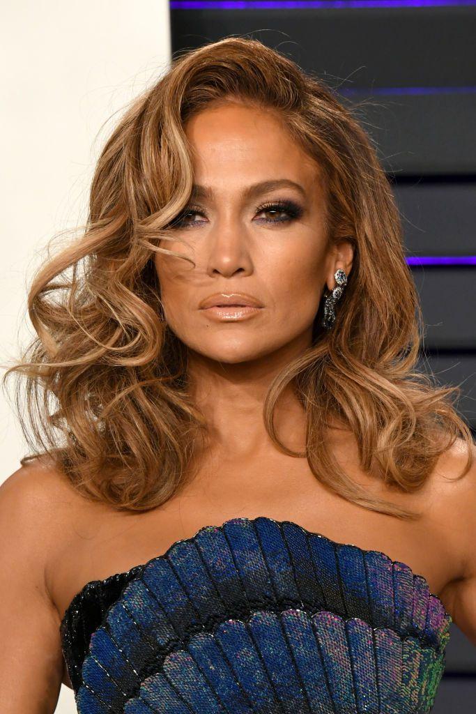 Jennifer Lopez curly medium-length hair