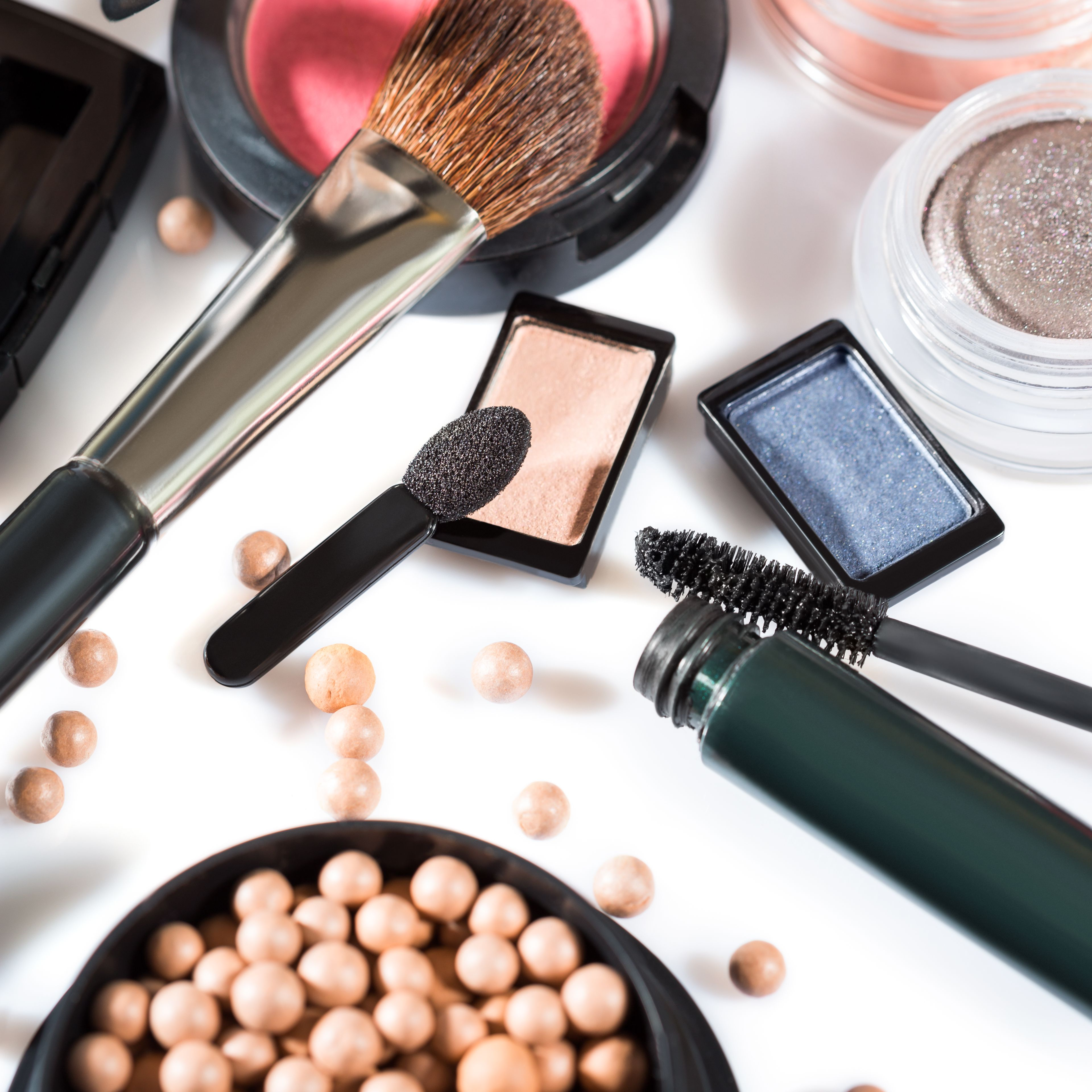 The 7 Best Makeup Websites For