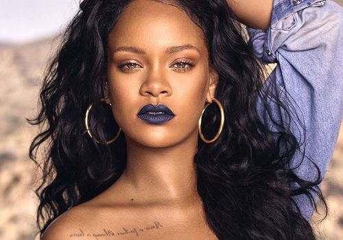 Rihanna with blue lipstick
