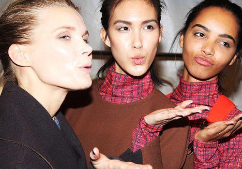 models blowing a kiss