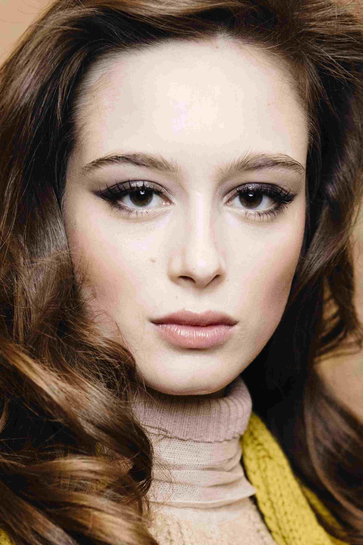 10 Easy Tricks To Applying Pencil Eyeliner