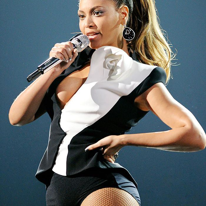 beyonce 2008 American Music Awards high ponytail