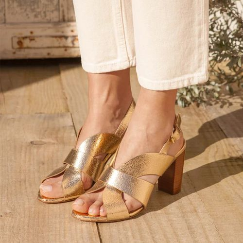 Sandals N°55 ($186)