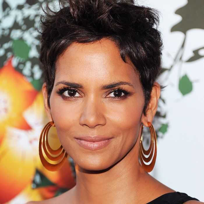 Hairstyle For Girl With Oval Face: The 15 Most Flattering Haircuts For Women With Oval Faces