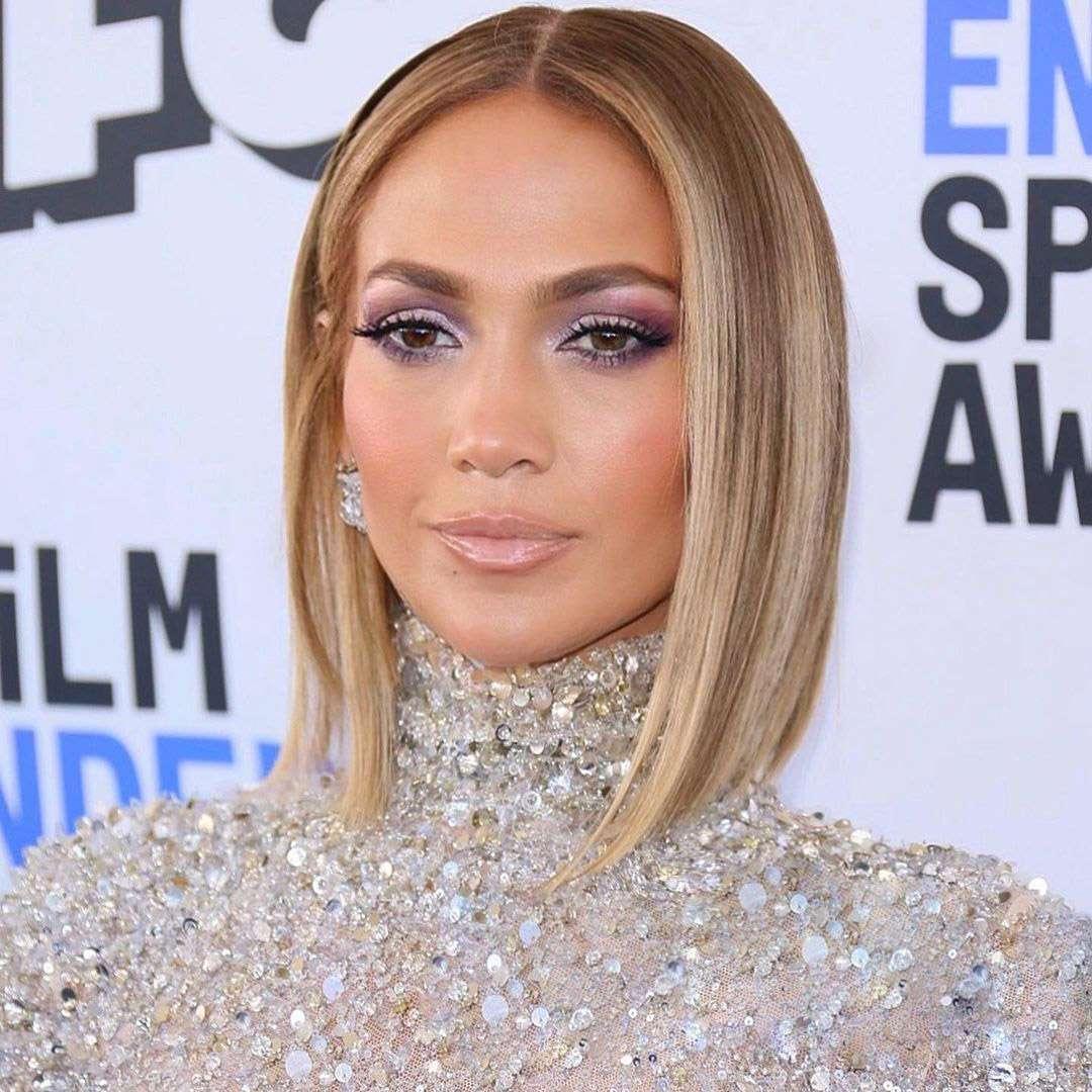 Jennifer Lopez Sleek Bob