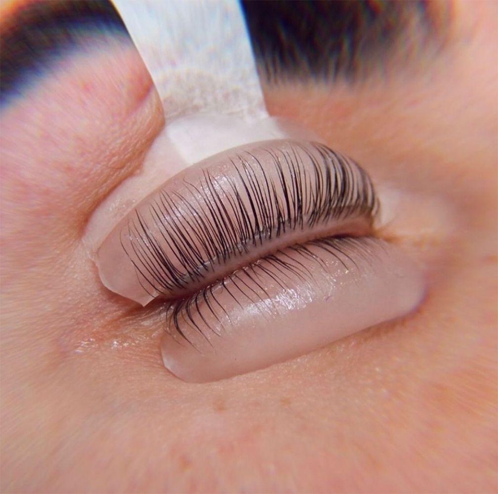 closeup of lash lift