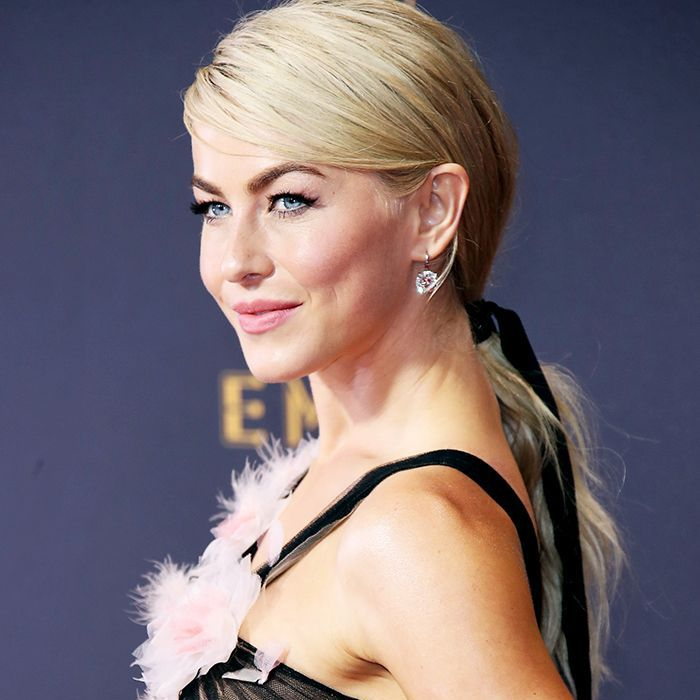 Julianne Hough wearing her hair in a low ponytail with a ribbon