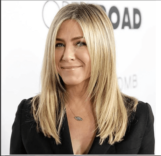 jennifer aniston hairstyle 21 of jennifer aniston s most iconic hairstyles