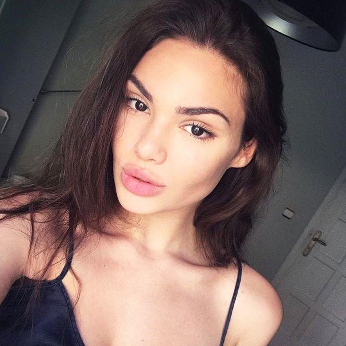 model skincare secrets: Angeliki Loannidi skincare selfie