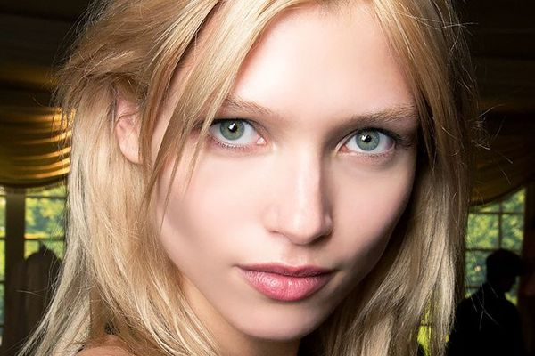model with bright eyes