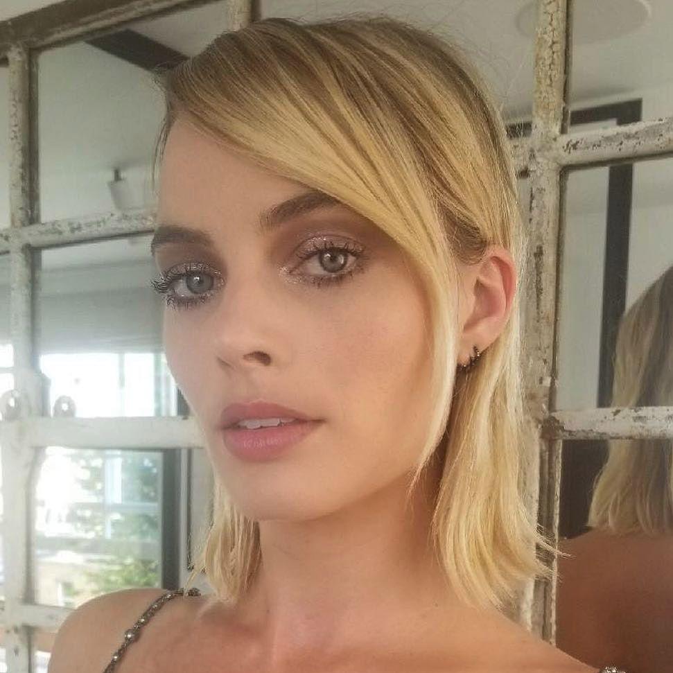 Margot Robbie Sleek Bob