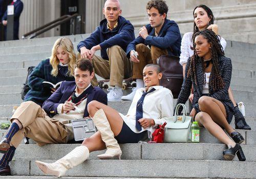 Gossip Girl cast steps of the Met