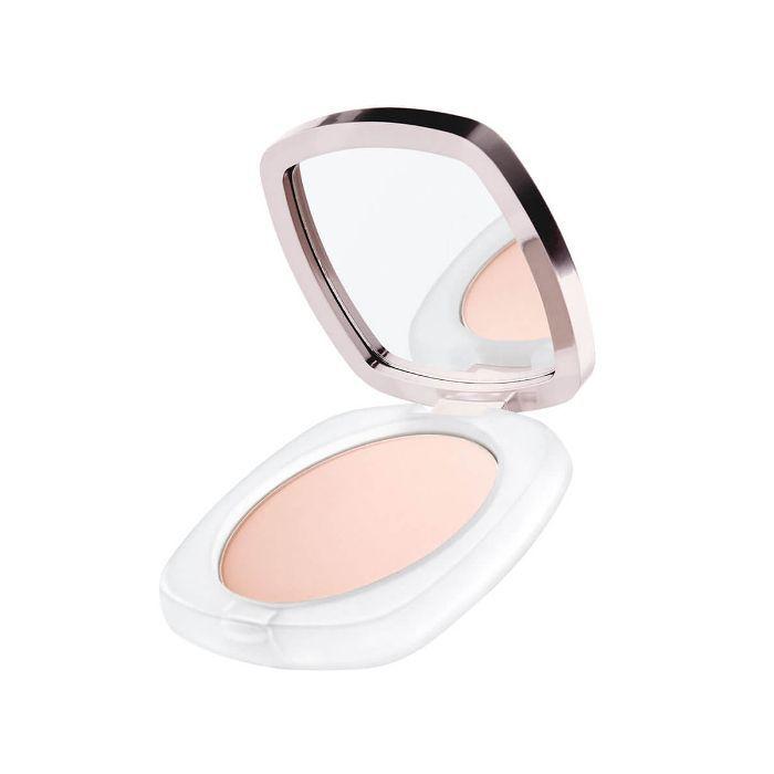 Danielle Peazer daytime makeup look: La Mer sheer pressed powder