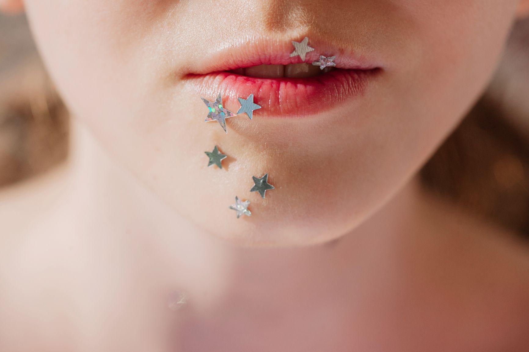 Stars on lips