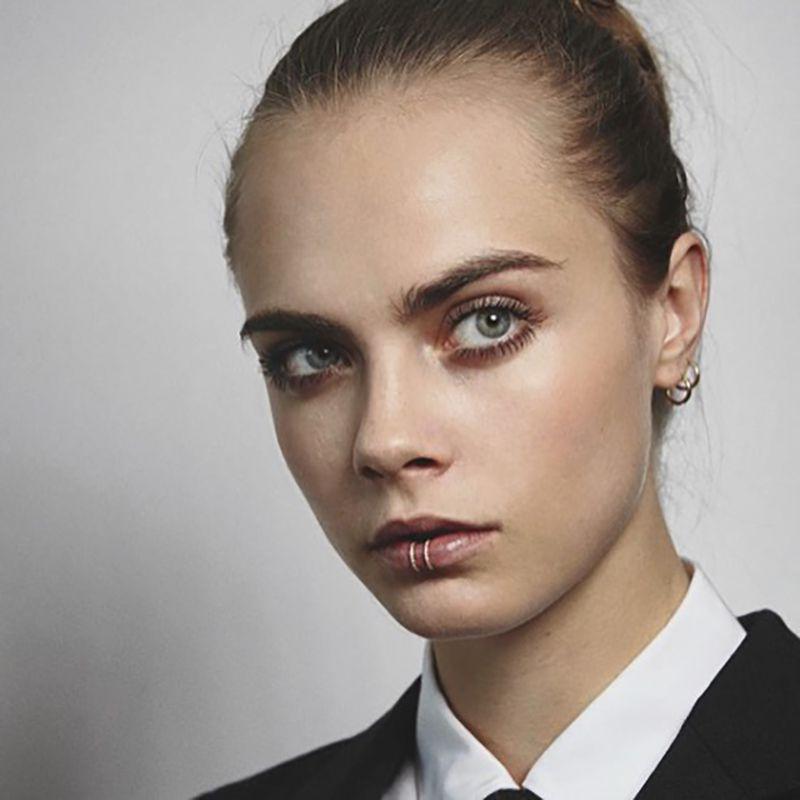 Cara Delevingne: Double Lip Rings