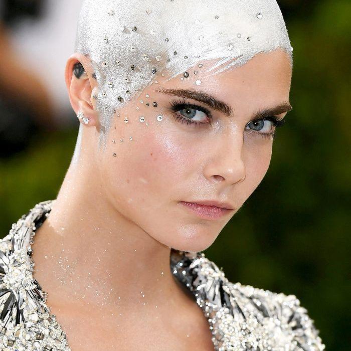 Cara Delevingne silver hair
