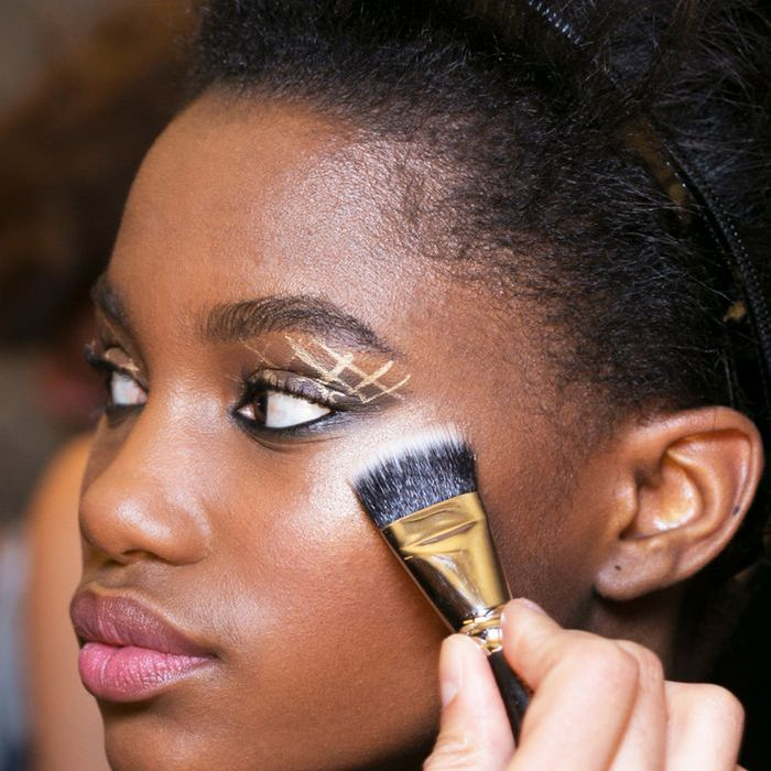 Gold Eyeliner - Futuristic Makeup