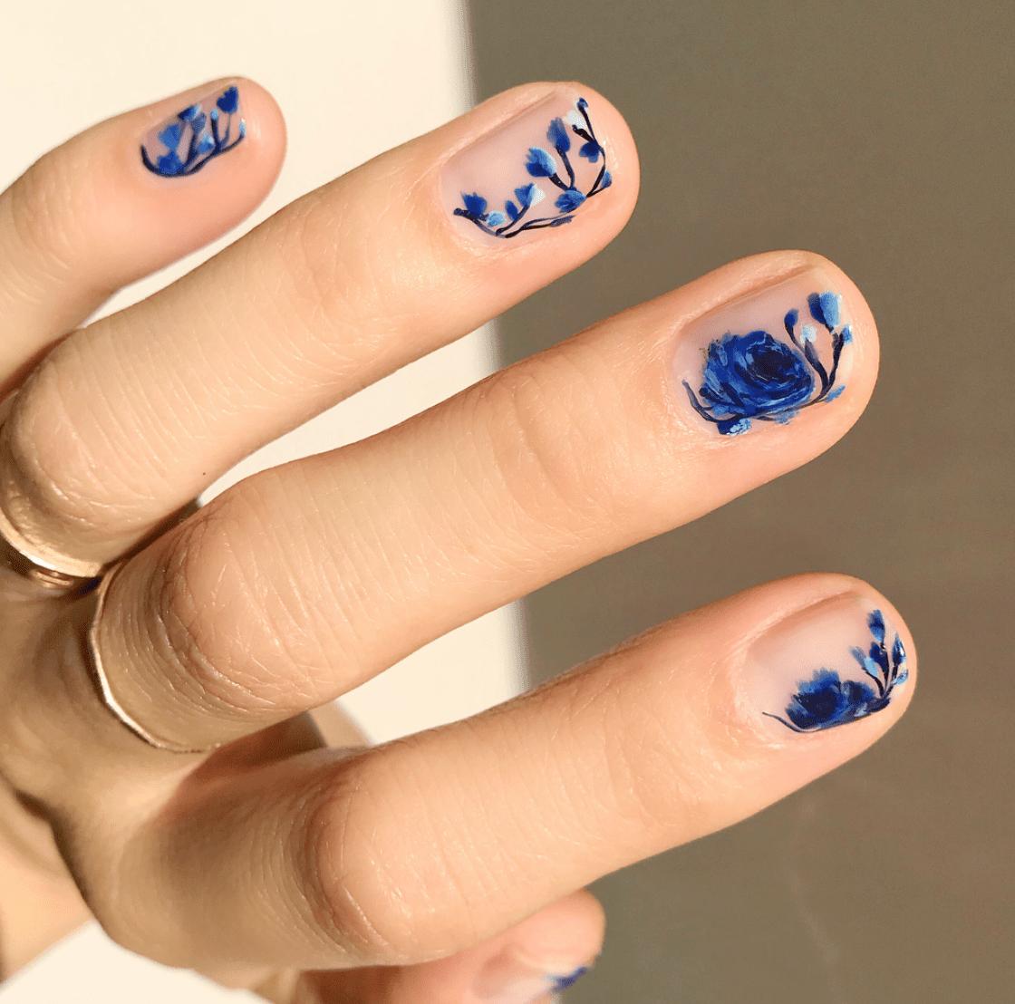 30 Pretty And Delicate Floral Nail Designs