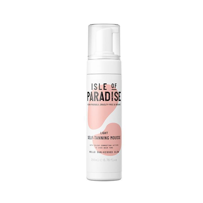 Isle of Paradise Self-Tanning Mousse in Light