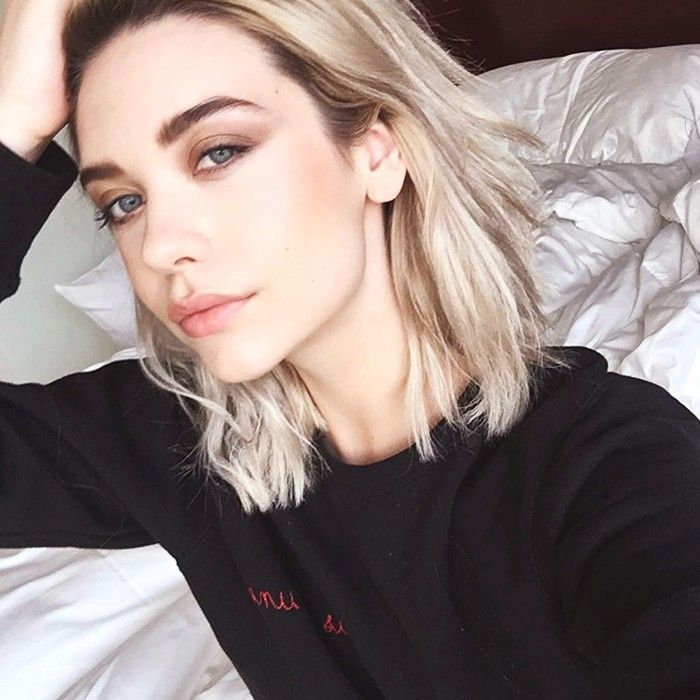 3ee56b39b823 YouTube Star Amanda Steele on Internet Fame and the Key to Her Perfect Cat  Eye