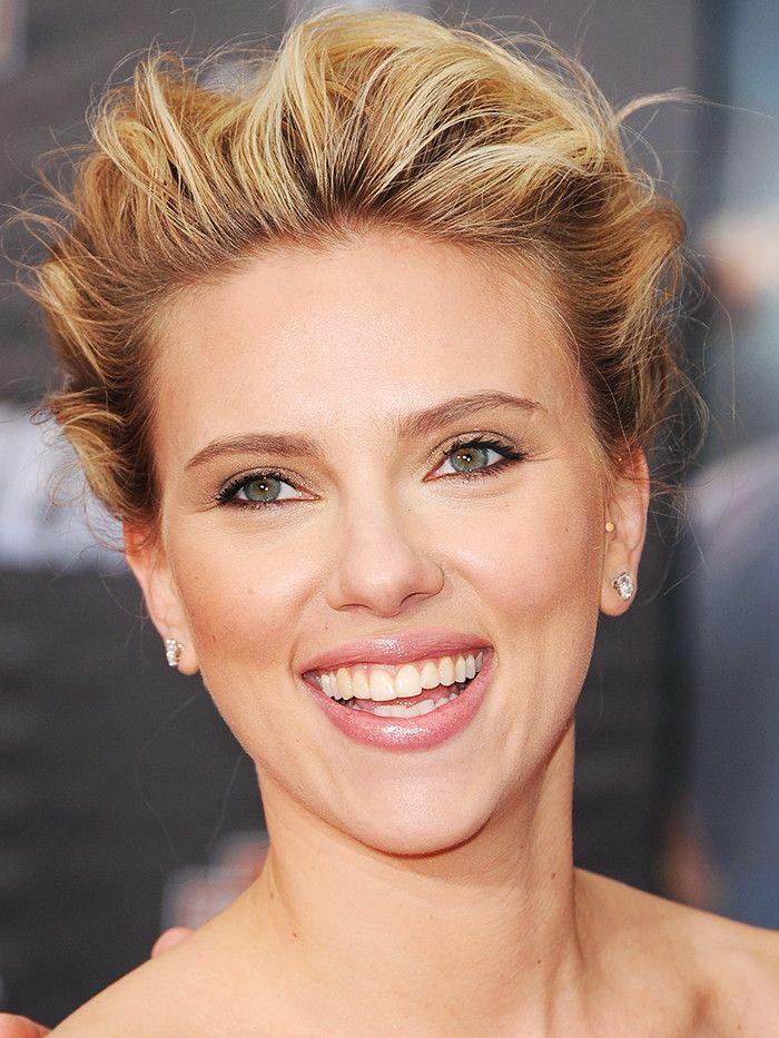 Scarlett Johansson chic crop