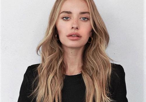 Blogger Sonya Esman