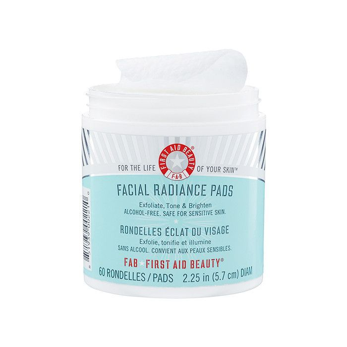First Aid Beauty Facial Radiance Pads - How to Get Glowy Skin