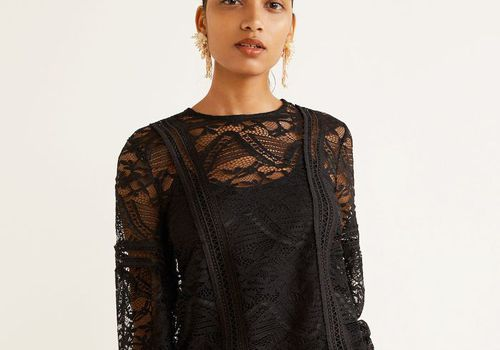 model with black lace dress