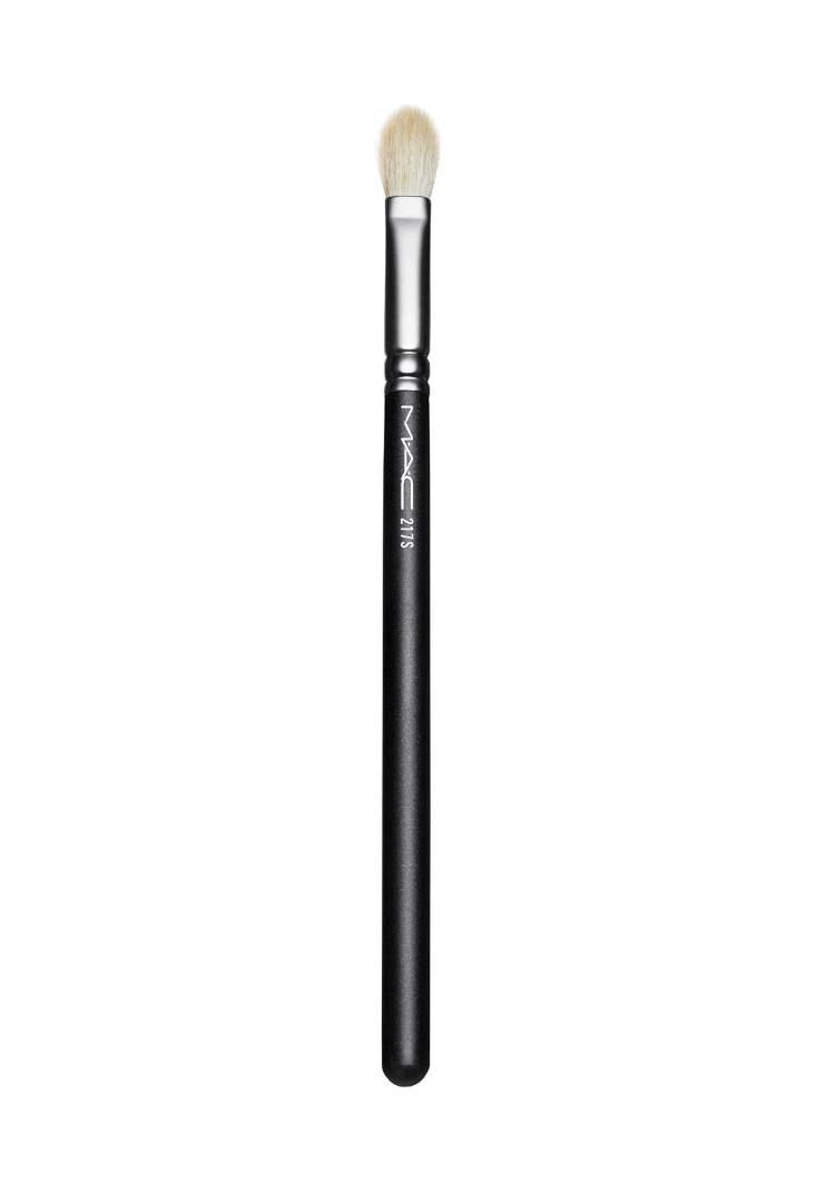 mac cosmetics blending brush