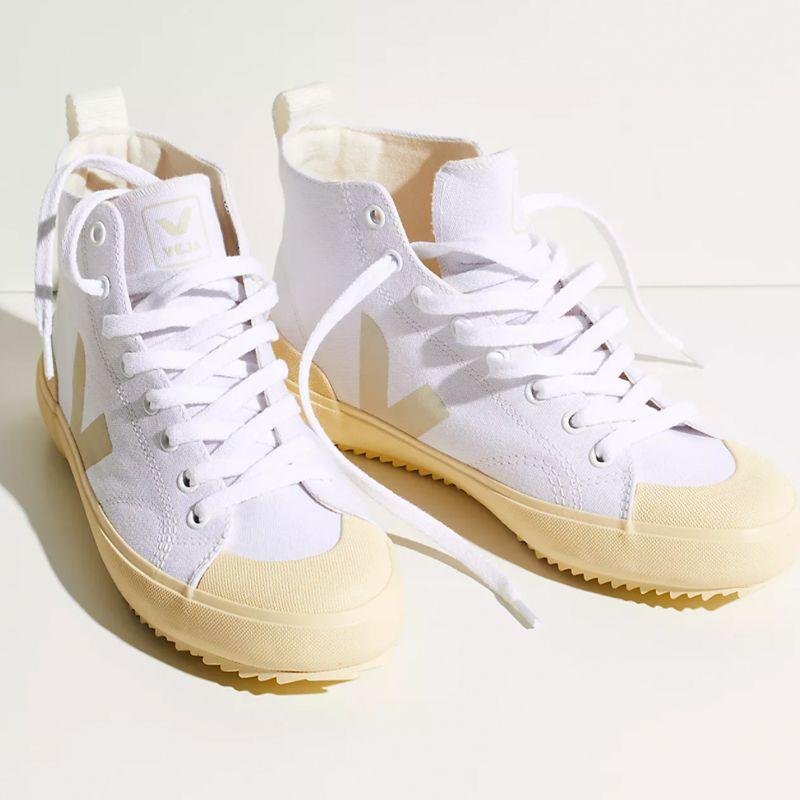 Canvas Nova Hi-Top Sneakers