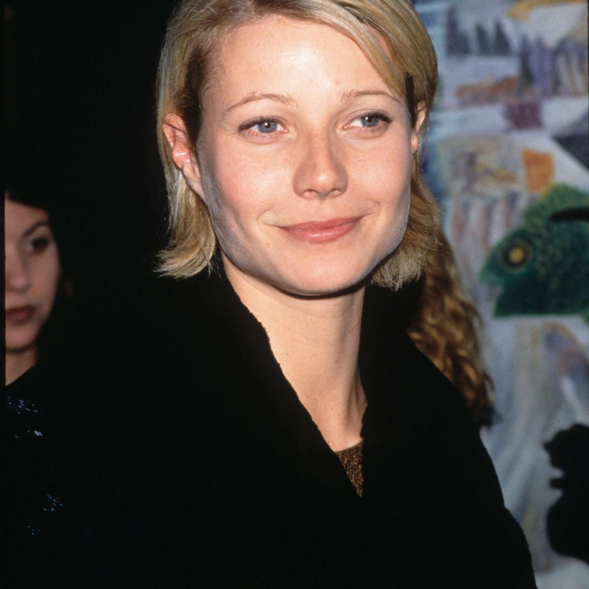 Gwyneth Paltrow - Long Pixie Cut