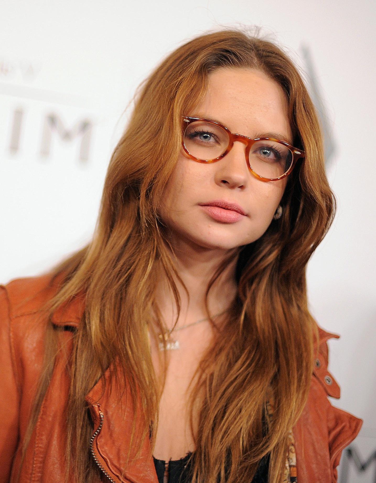 Pov Brunette Blowjob Glasses
