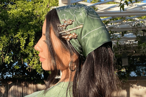 justine marjan wearing bandana hairstyle