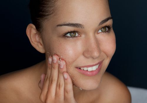 Physical Or Chemical What Kind Of Exfoliator Is Best