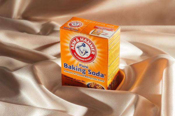 baking soda still life satin