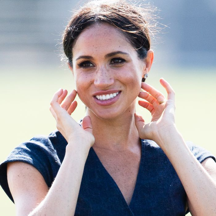 what is a face yoga class like: Meghan Markle